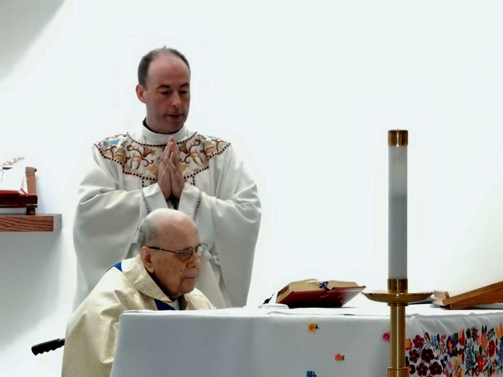 Mgr Varsanyi 70 yrs a Priest (18)