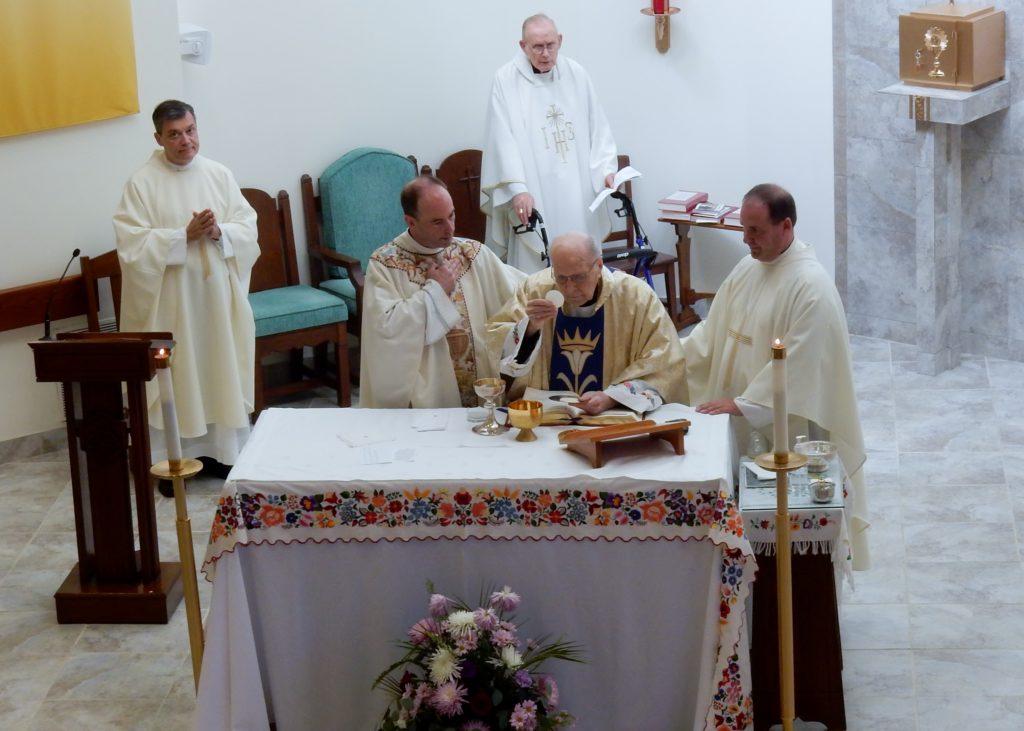Mgr Varsanyi 70 yrs a Priest (24)