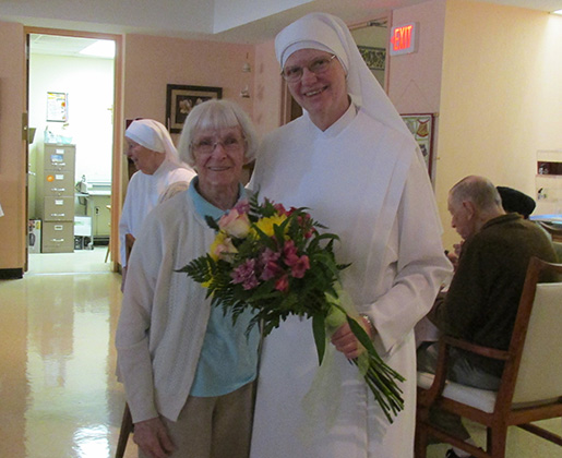 mother alice 1 037